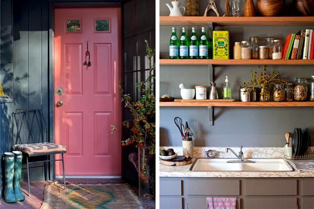 A porta cor de rosa é puro charme. Projeto do escritório americano Reath.