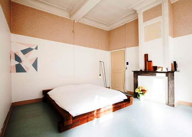 Pintar apenas uma parte da parede está totalmente em alta. A altura pode variar, de acordo com o mobiliário.