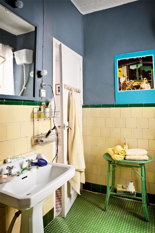 Fotografía de Baruc para Lomo, mesa de ratán de los 70, en Lou & Hernández, y toallas de Ikea.