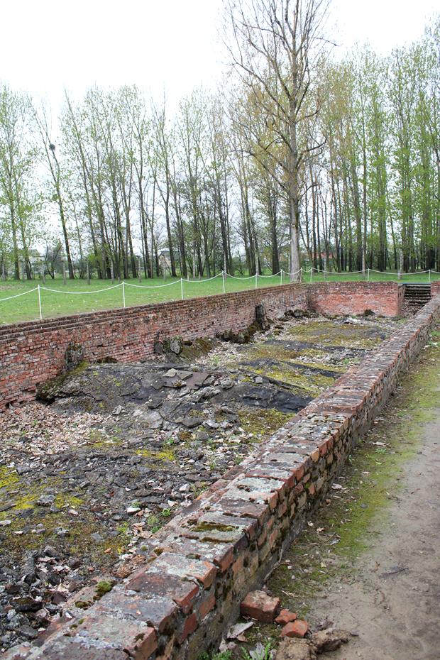 Ruínas das câmaras de gás, destruídas pelos nazistas no fim da guerra.