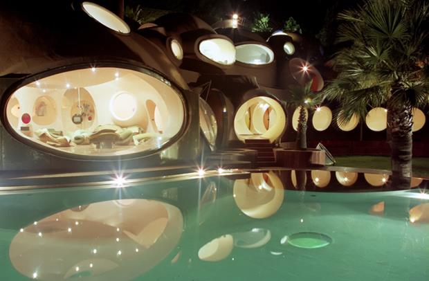 PIERRE-CARDINS-BUBBLE-HOUSE-19 (Copy)