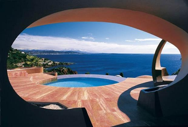 Pierre-Cardin's-Bubble-House-by-Antti-Lovag-designrulz-10 (Copy)