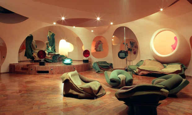 Pierre-Cardin's-Bubble-House-by-Antti-Lovag-designrulz-10.jpg1 (Copy)