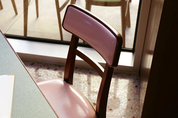fondazione-pradas-bar-by-wes-anderson_designboom_029