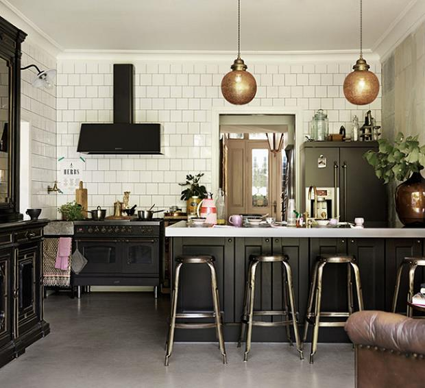 black-kitchen-bar-stools(pp_w700_h639) (Copy)