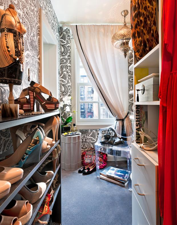 closet Amazing-Paisley-Wallpaper-decorating-ideas-for-Closet-Eclectic-design-ideas-with-Amazing-Bedroom-black-and (Copy)