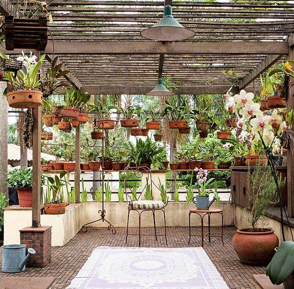 Publicado na revista Casa e Jardim, abriga as orquídeas da dona da casa.