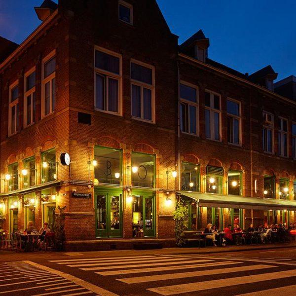 Fachada do Bar Botanique, em Amsterdam.