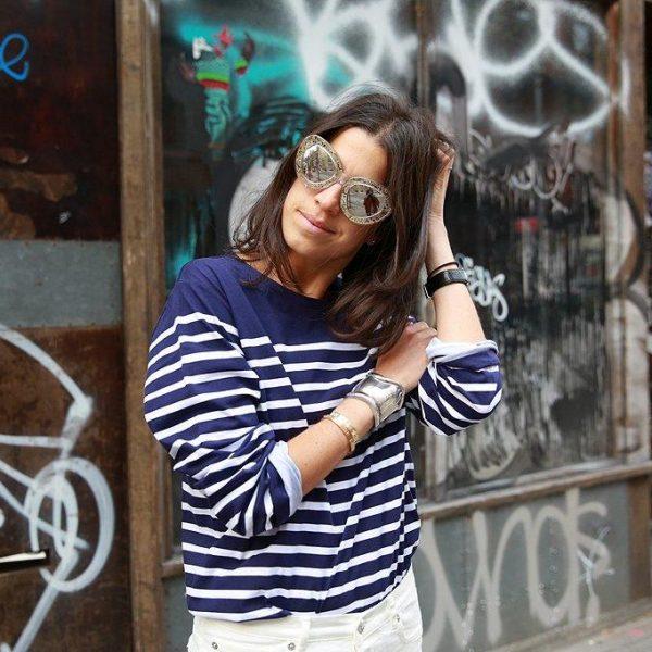 A blogueira usa muito as ruas do bairro com seus grafites para as fotos.