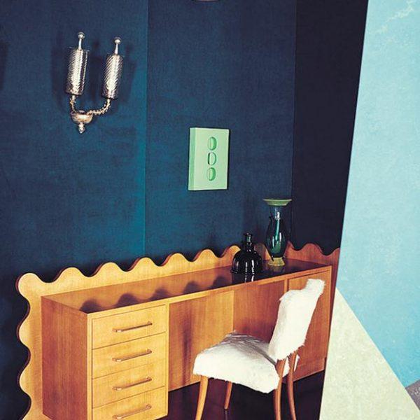Mesa e cadeira Jean Royère.