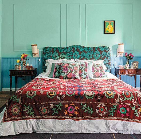 Quarto com mobiliário tradicional atualizado, da decoradora mais do  que bacana, Neza Cesar.