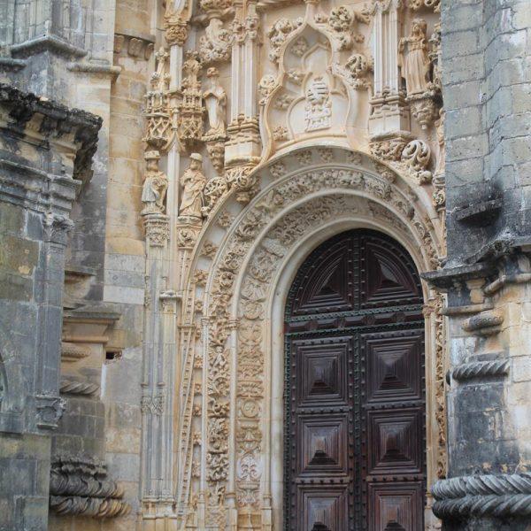 A construção do conjunto demorou séculos, e teve alas e construções novas ao longo do tempo.