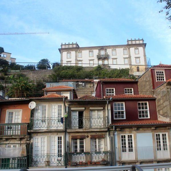 As casas vistas do Rio Douro.