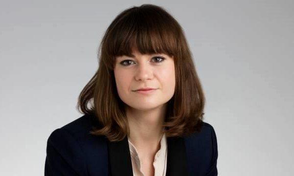 Jornalista com especialização em design Kassia St Clair.