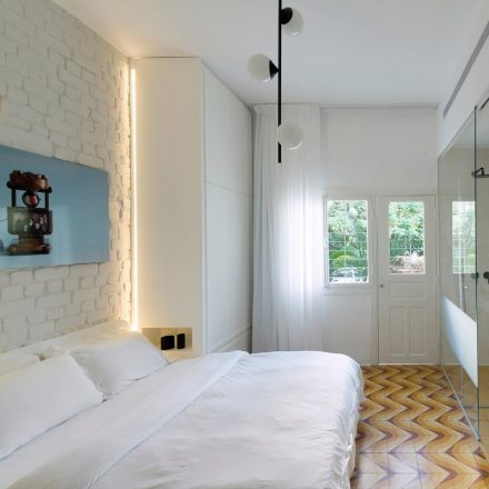 bauhaus-apartment-maayan-zusman-amir-navon-interiors-residential_dezeen_2364_col_6-copia-copy