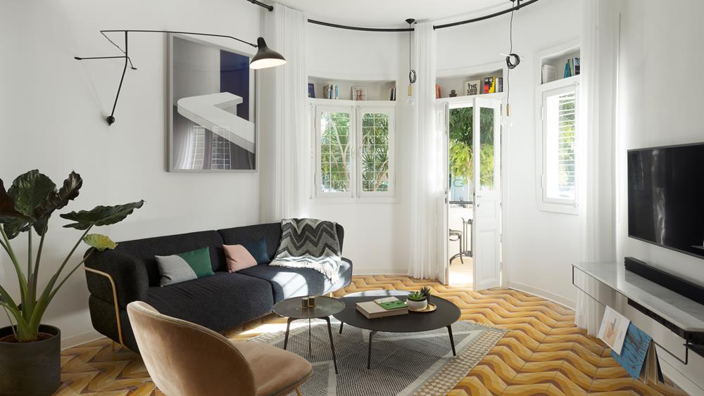 O projeto de renovação do apartamento foi assinado por Maayan Zusman e Amir Navon.