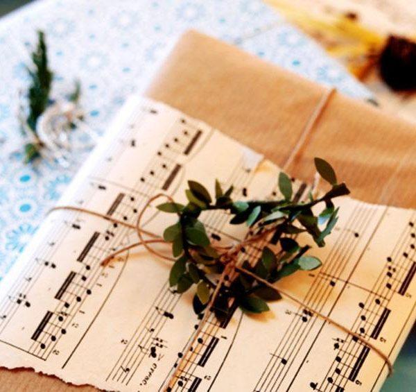 Invista em itens que tenham a ver com os interesses de cada convidado/presenteado!