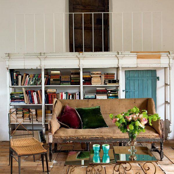 A biblioteca, imprescindível em uma casa de campo.