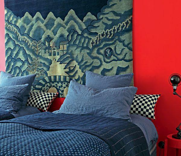 O azul acalma o vermelho china das paredes. Lindo