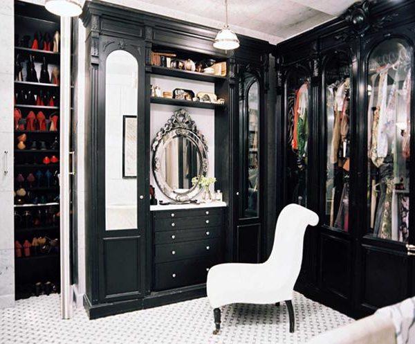 Closet P&B.