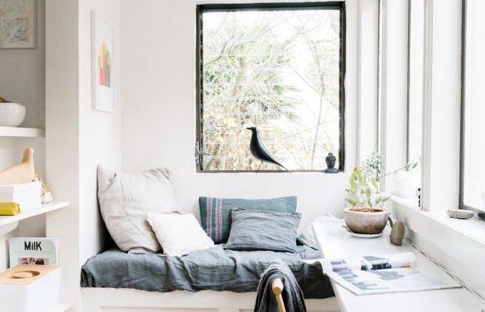 O segredo é sempre a utilização de mobiliário de dimensão compatível com a largura do espaço
