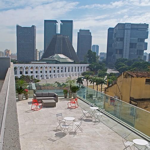 O rooftop, com linda vista de um dos monumentos mais famosos do Rio