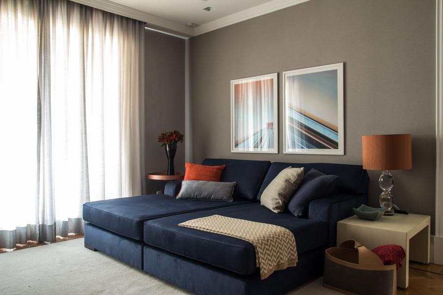 Muito Sofá azul escuro no living, dúvida de Nelma M - Hardecor DU73