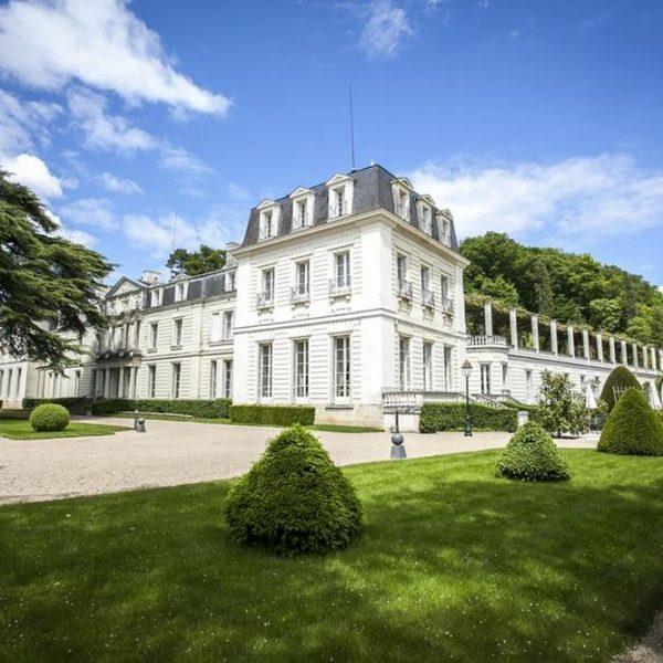 Chateau Rochecotte, que foi propriedade de Terry durante 35 anos e onde hoje funciona um hotel