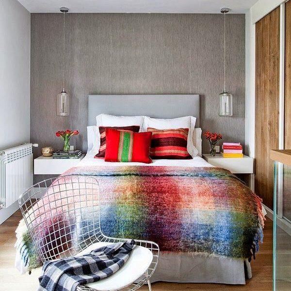 Elementos na mesma cor são ótima pedida para quartos. Aqui a cabeceira e a cor da parede quase que se confundem
