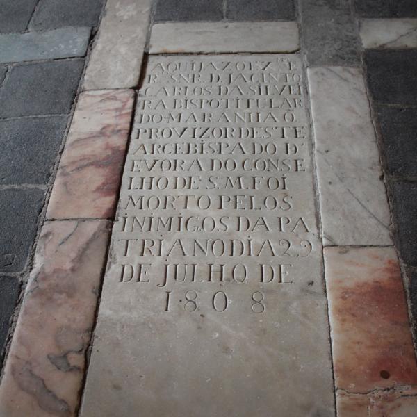 Túmulo de 1808