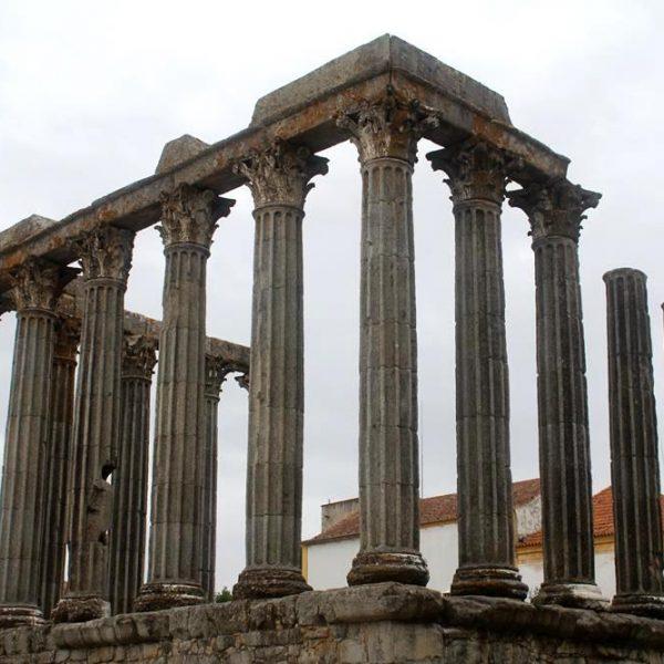 Ruínas de templo construído em I D.C