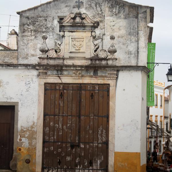 Évora é um lugar super simpático e bastante importante na história do país. Vá!