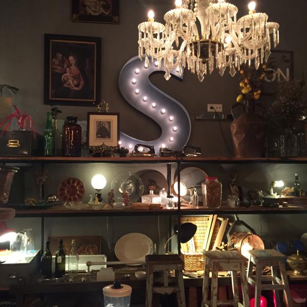 Muito Muito, loja de mobiliário e objetos vintage