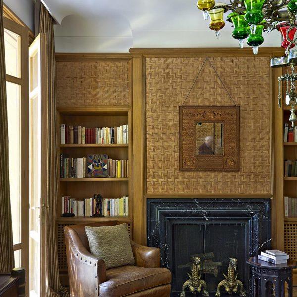 Outro ângulo do elegante quarto da casa de Bergé em Tânger