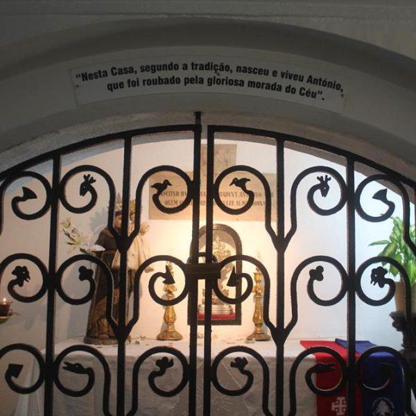 Local onde nasceu Santo Antônio e onde rezou João Paulo II