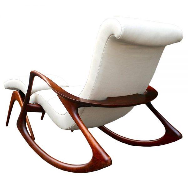 Rocking Chair. Observe a elegância e delicadeza das linhas