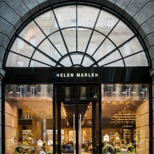 Fachada da Helen Marlen, marca de sapatos com loja em Kiev, capital da Ucrânia