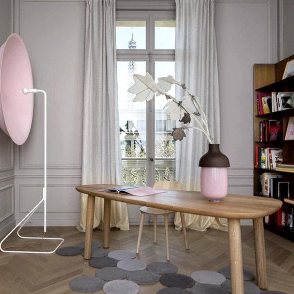 O rosa claro é ótima escolha para a base cinza. Ponto para as cortinas degradèe.