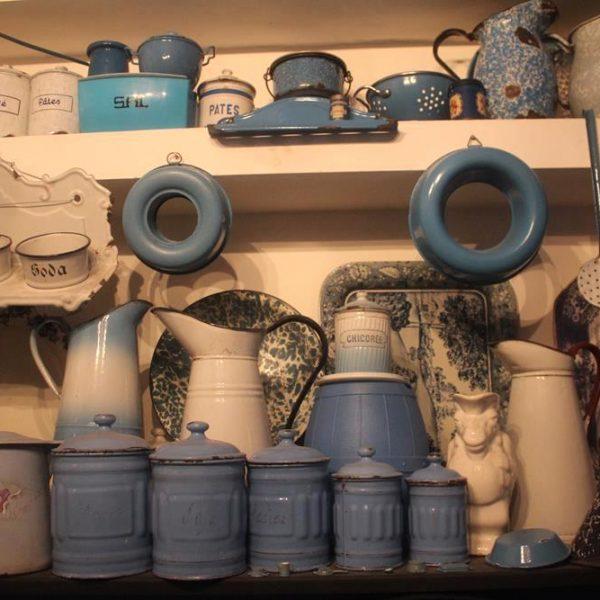 As louças em azul e branco