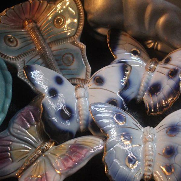 A libélula, que agora é minha!! e suas primas borboletas de parede