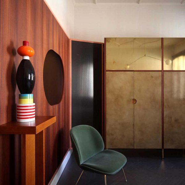Os armários tem dois tipos de revestimento: opaco e brilhante. Adorei!