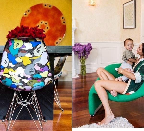 Kristen e o marido ganharam as cadeiras de Nigo, artista dono da marca japonesa Bape, que assina a customização em parceria com a marca americana Modernica. À direita, a designer com um de seus filhos na poltrona de Pierre Paulin