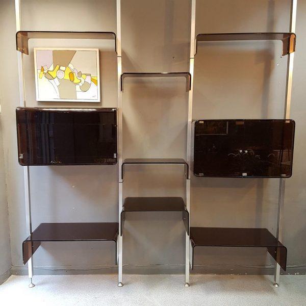 A estante maravilhosa de Michel Ducaroy, em versão um pouco menor está disponível na Peyrieux