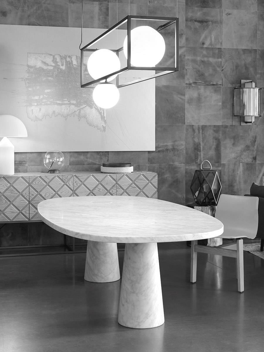 Angelo Mangiarotti assina a Eros Oval Dining Table, de 1970