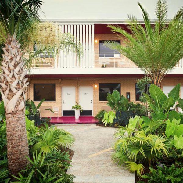 A vegetação exuberante é essencial em projetos tropicais