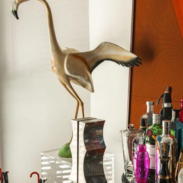 Escultura linda de flamingo