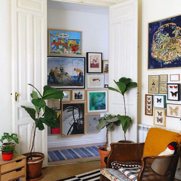 Os quadros, muito bem colocados, por sinal, dão acabamento ultra bacana a qualquer decoração. Use suas lembranças, da infância, de viagens, dos momentos especiais