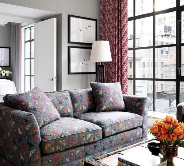 Bedroom suite, que conta com um living elegante