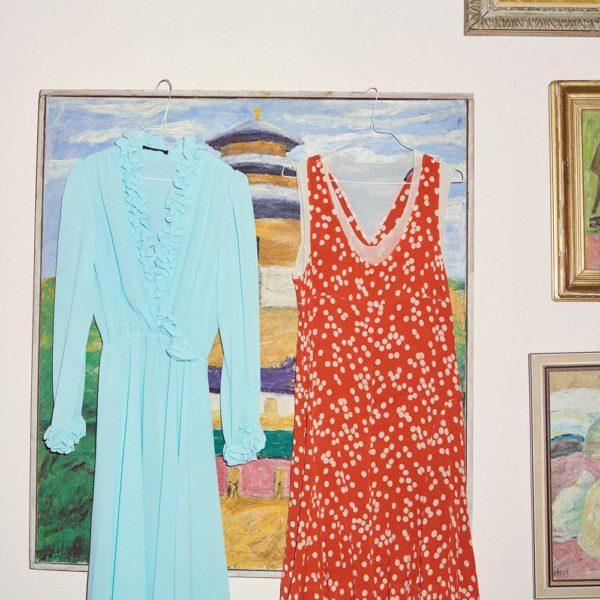 À esquerda, vestido vintage Sonia Rykiel