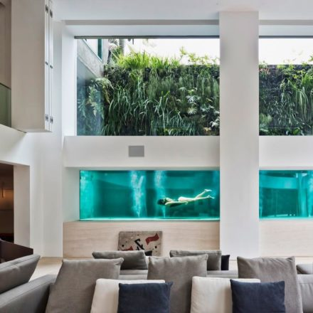 Residential-Swimming-Pool-in-Sao-Paulo-Home-by-Fernanda-Marques-Architects-Yellowtrace-01 - Cópia